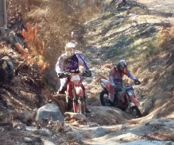Portugal nord aventure moto tour for Hotel avec garage moto